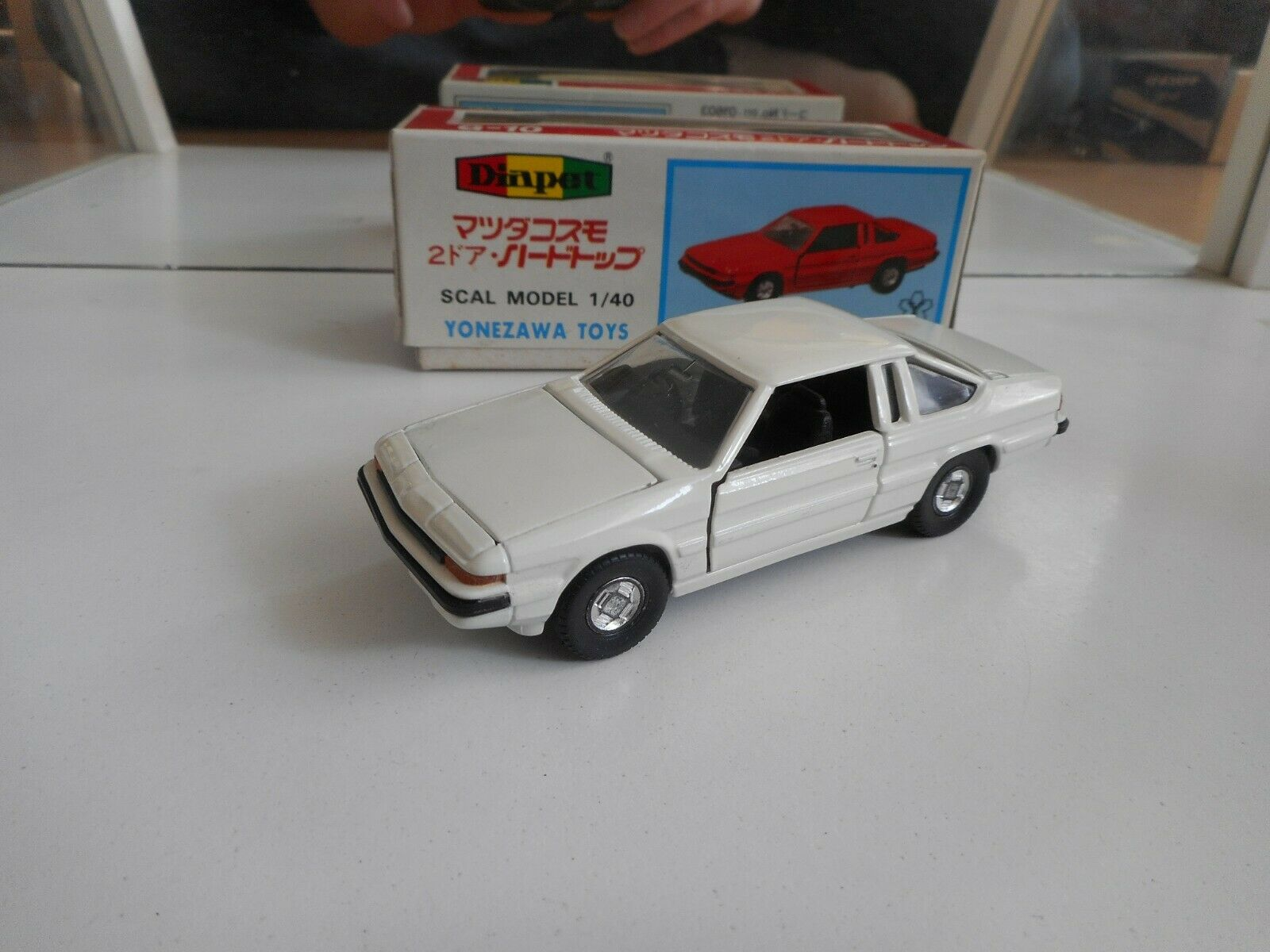 Yonezawa Toys Diapet Mazda Cosmo 2-Door Hardtop 200 EGI in White on 1 40 in Box
