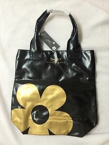 575409ffda Image is loading Marc-Jacobs-Daisy-Patent-Black-amp-Gold-Tote-