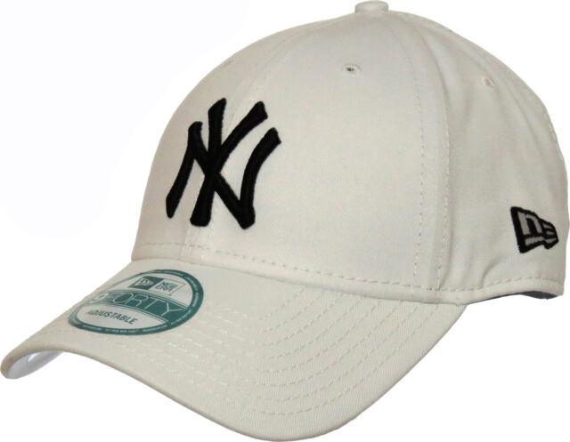 Era Mens MLB Basic NY Yankees 9forty Adjustable Baseball Cap One ... c8a65bb9243d