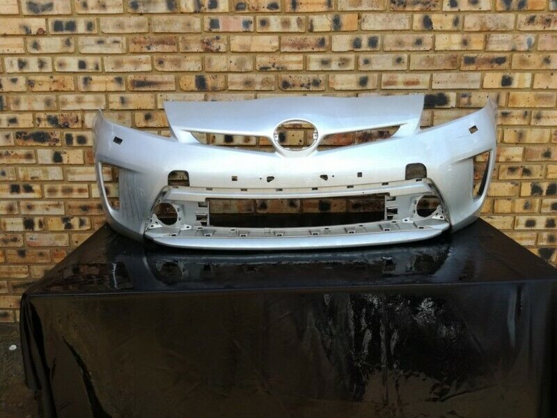 Toyota Pruis Front Bumper