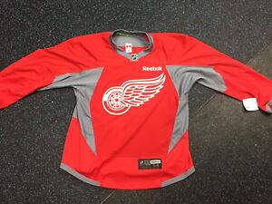 1e00e66dba1 New CCM Reebok Edge 3.0 NHL Detroit Red Wings Pro Stock Jersey Made ...