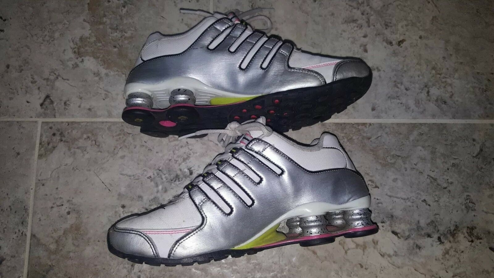 ONLY ONE ON EBAY IN IN IN THIS MODEL  NIKE SHOX NZ WOMEN'S SIZE US7 UK4.5 636541