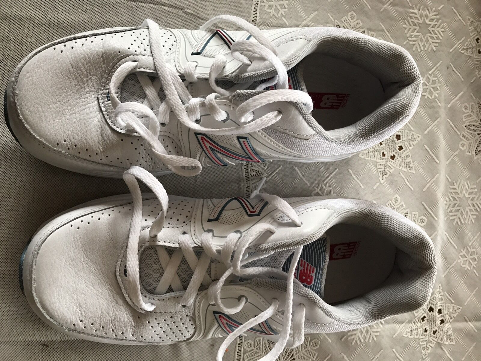 New Balance 840 Women's Shoes US Size 8D (wide) manuf 12/2015 white/blue/pink