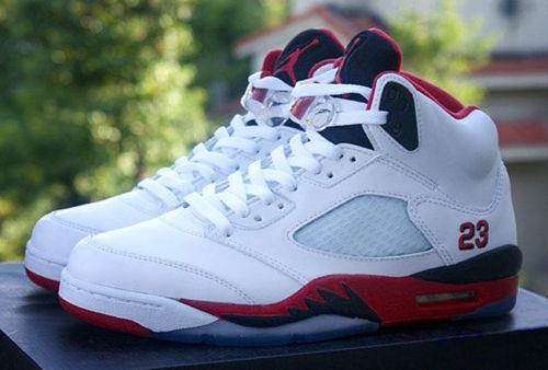 Nuevo Nike Air Jordan V Retro fuego rojo-tamaño rojo-tamaño fuego 8eu 32d131