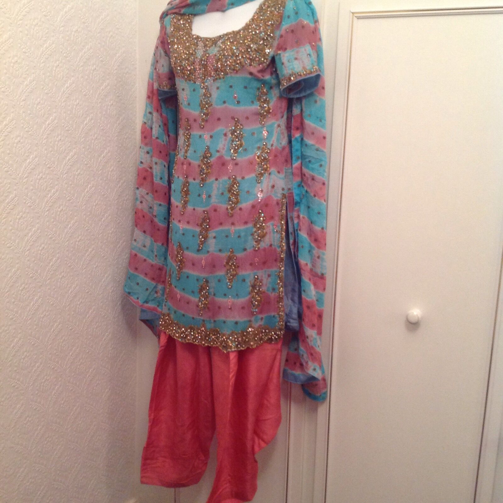 Asian Eid Diwali wedding party Pink & bluee Outfit Size 10 Shalwar Kameez