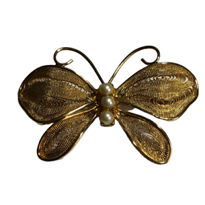 Vintage-Napier-Gold-Tone-Metal-Mesh-Butterfly-Brooch-Pin-w-Faux-Pearls