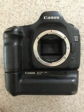 Canon EOS 5D Mark I 12.8MP  DSLR Camera Body with Battery Grip