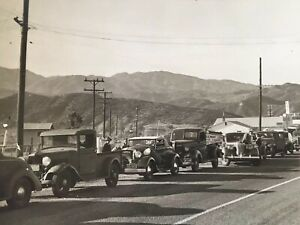 Vintage-Antique-Photo-Old-Automobiles-Cars-1940-039-s-Traffic-Route-66