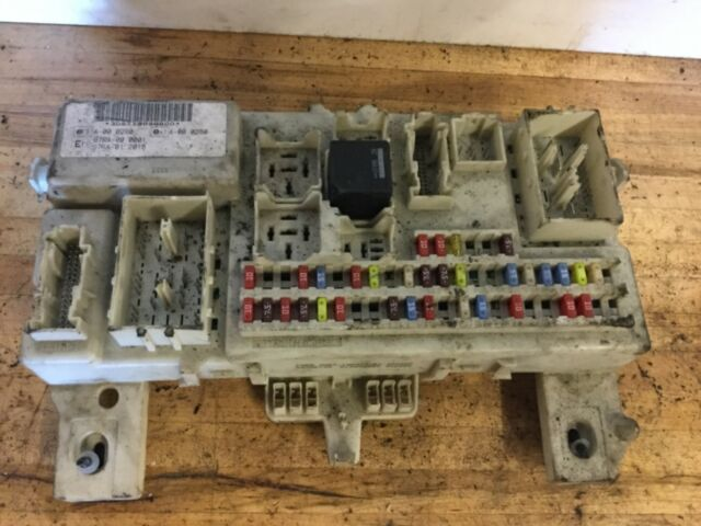 FORD FOCUS CONTROL FUSE MODULE 4M5T 14A073 BJ FULLY WORKING WHEN REMOVED.