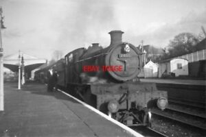 PHOTO  GWR LOCO NO 7805 AT NEWBURY RAILWAY STATION IN THE WINCHESTER BAY 1962 - Tadley, United Kingdom - PHOTO  GWR LOCO NO 7805 AT NEWBURY RAILWAY STATION IN THE WINCHESTER BAY 1962 - Tadley, United Kingdom