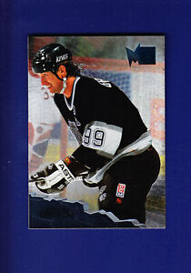 Wayne-Gretzky-HOF-1995-96-Fleer-Metal-Hockey-71-MINT-Los-Angeles-Kings