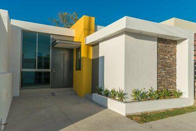 Bonita Casa en Venta Ubicada en el Fraccionamiento Montellano  Villa de Álvarez  Colima