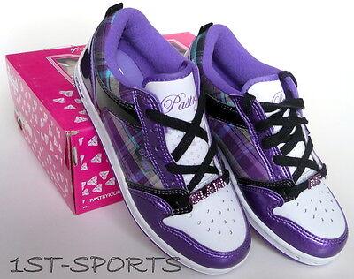 Y Shoes Pie