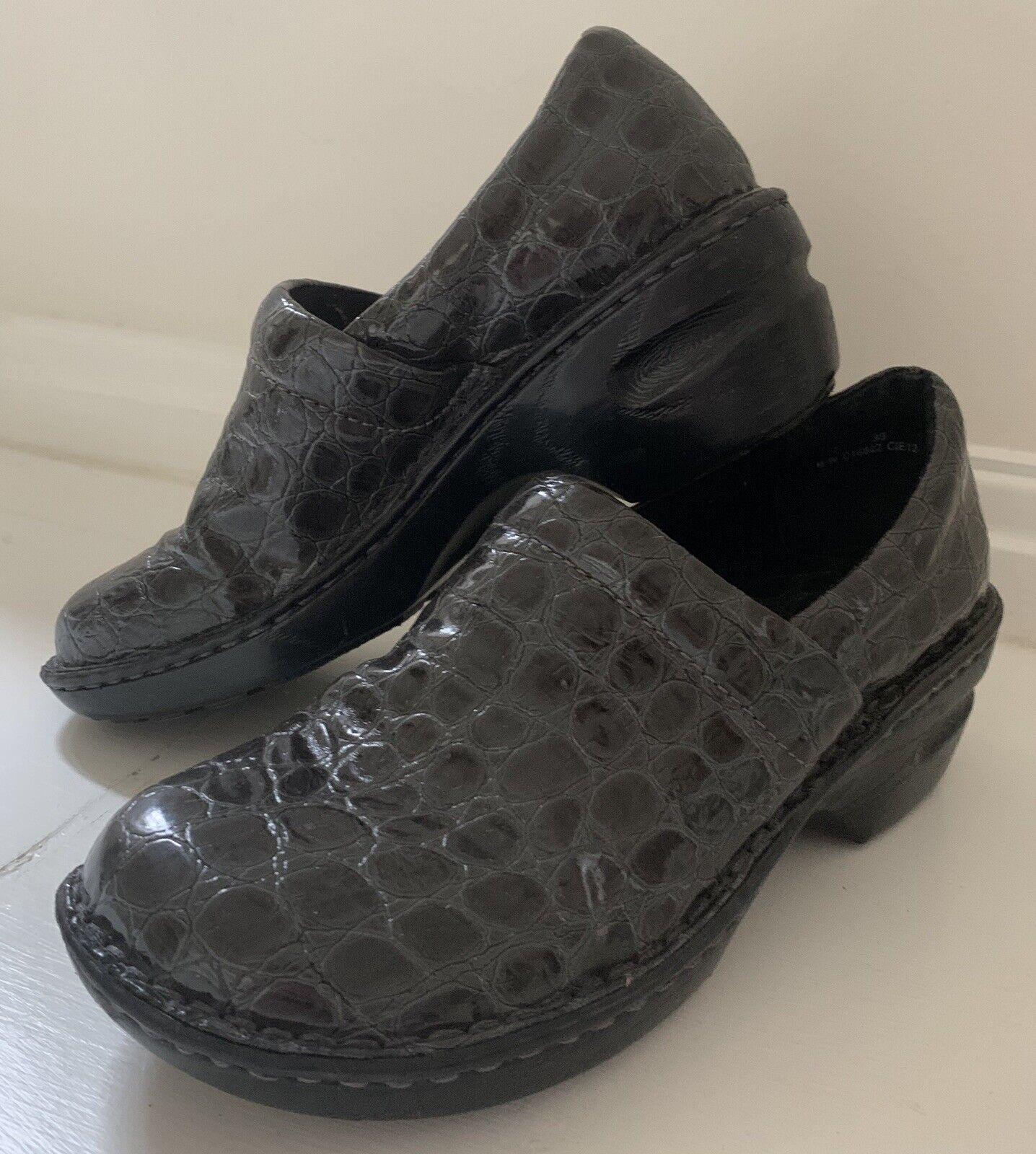 BOC BORN CONCEPT Women Slip-On Clogs Mules Shoes Sz 7/38 Gray Reptile Patent