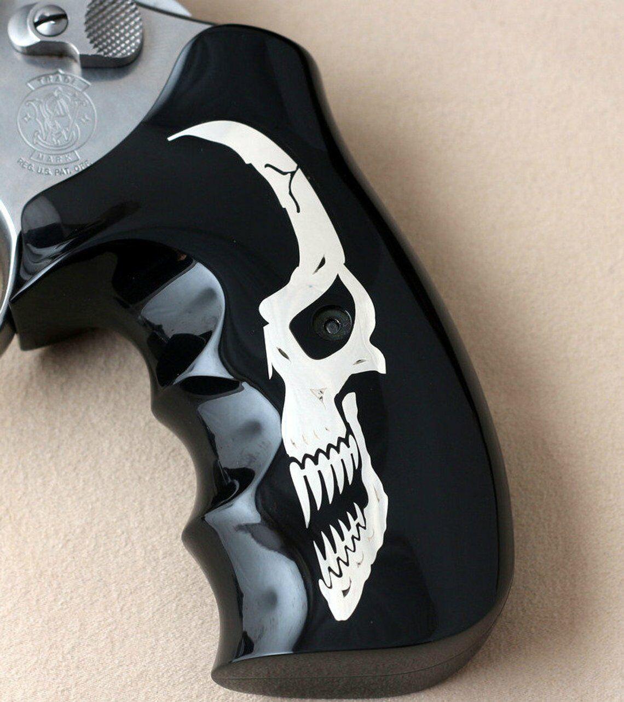 .500 X Wesson 460 Smith & Marco apretones hechas de Negro PMMA y logotipo plateado.