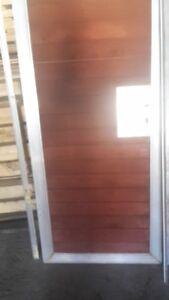 Gartentor-oder-Huettentuer-Alurahmen-mit-Holzfuellung-incl-2-Aluminium-zargen