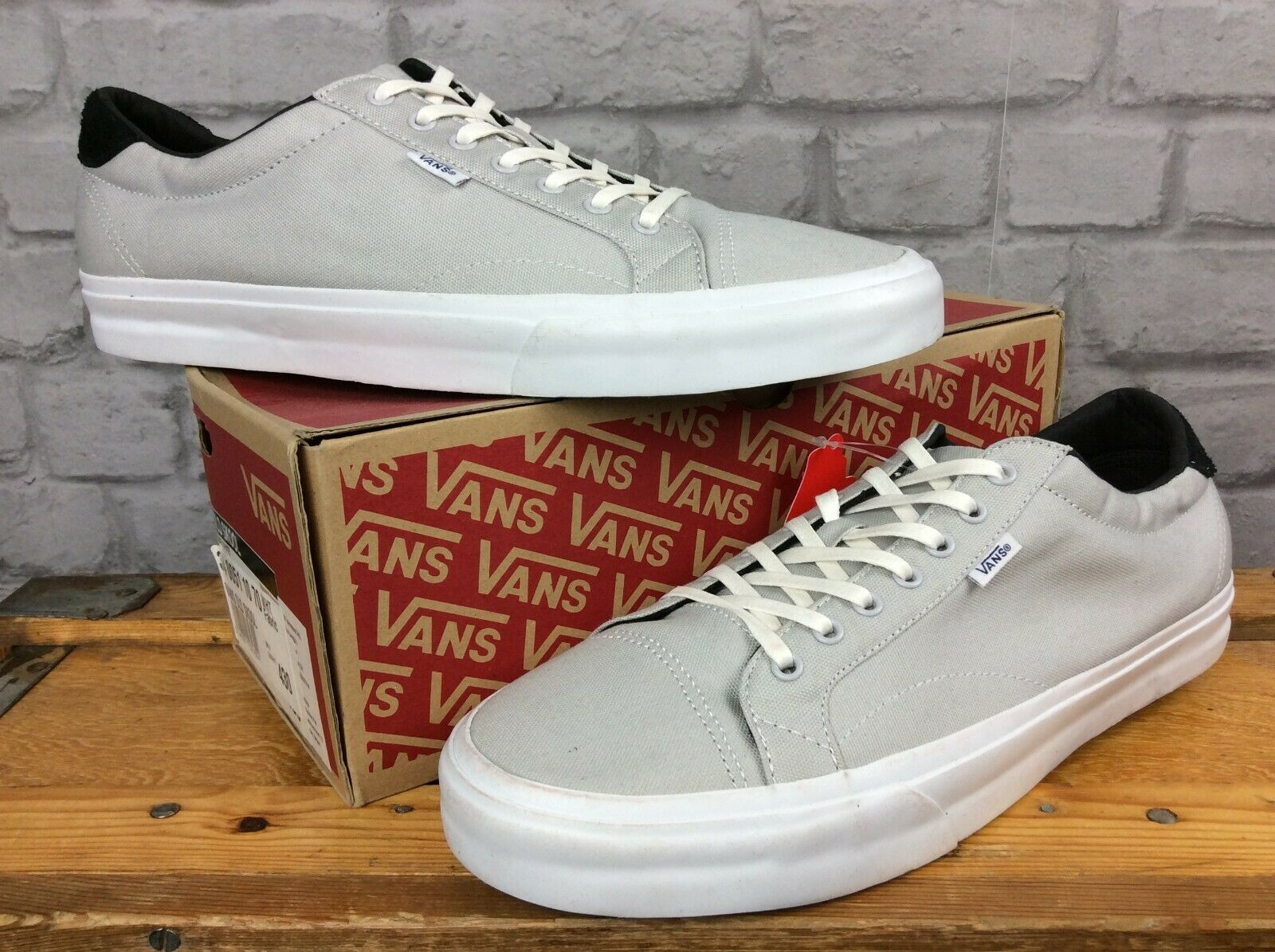 Vans Herren UK 12 EU 47 Authentic Off the Wall grau weiß Canvas Sneakers J