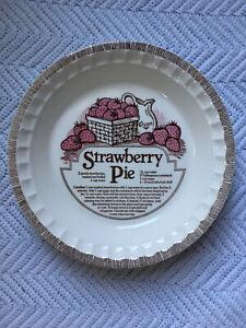 Vintage-Strawberry-Pie-Recipe-Dish-Royal-China-Co-80s-Ceramic-Baker-Pink-Brown