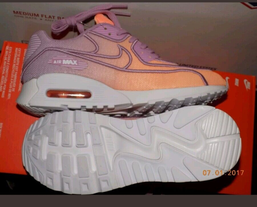 72a2b7410952 ... NIKE AIR MAX 90 ULTRA 2.0 2.0 2.0 SI WOMEN SIZE 7 NEW With NIKE BOX ...
