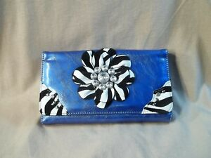 Zebra-Flowered-Clutch-Purse
