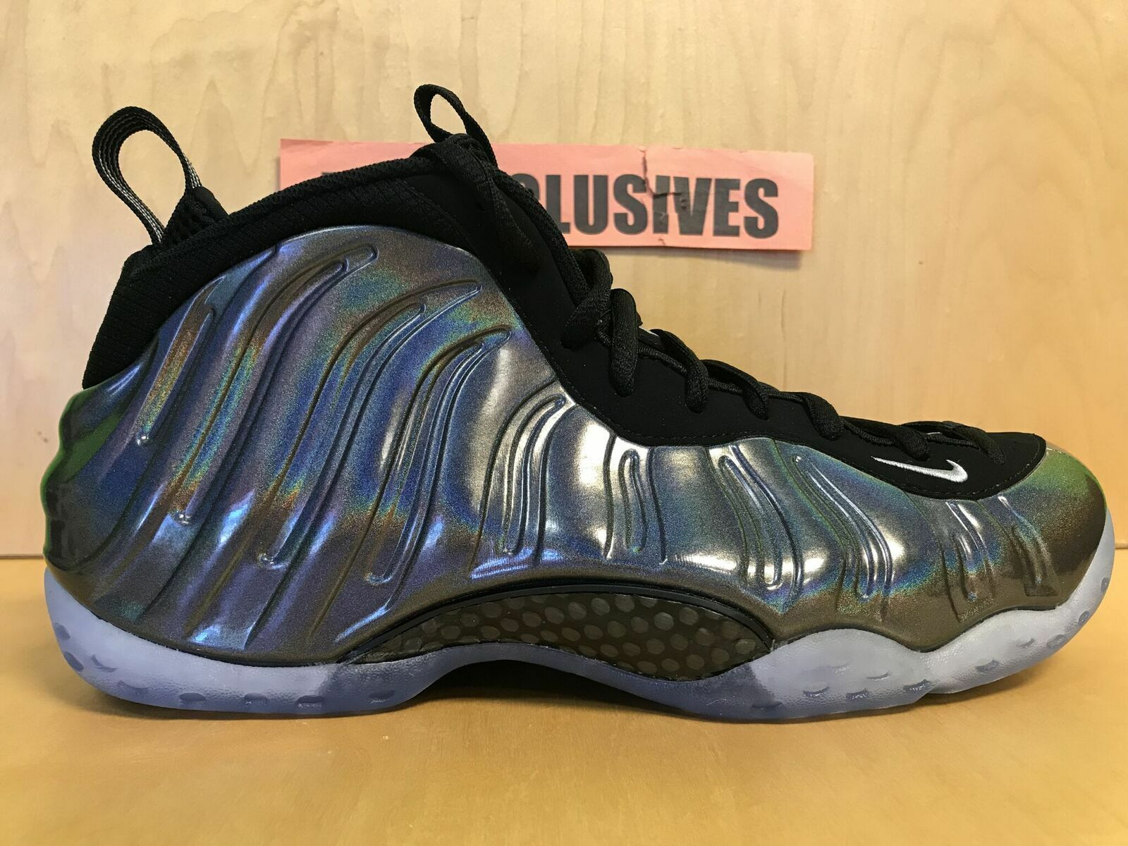 Nike Air Foamposite One Hologram 2015 Multi-color 314996-900 Size 10.5