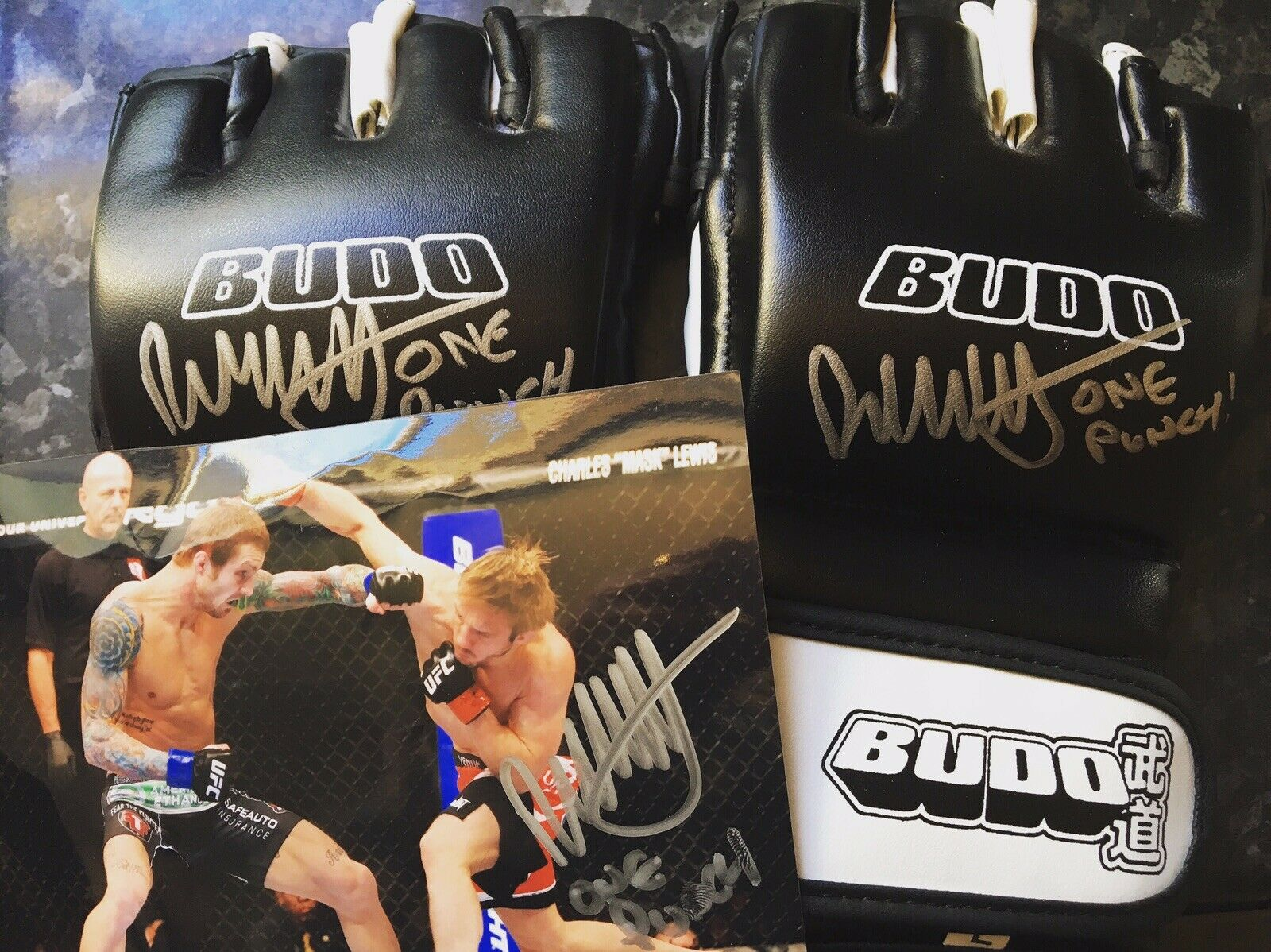 MMA  G s, UFC Fighter, Signed, Boxing, Charity, Offers Welcome  shop makes buying and selling