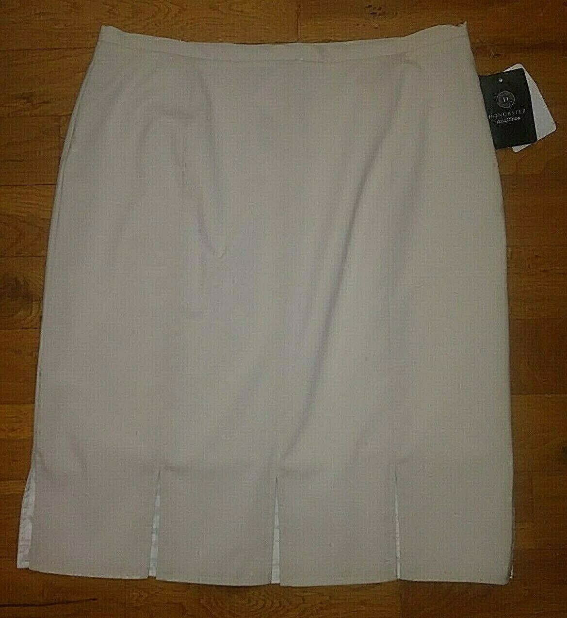 NWT  Doncaster Collection Beige Lined Skirt Womens size 14