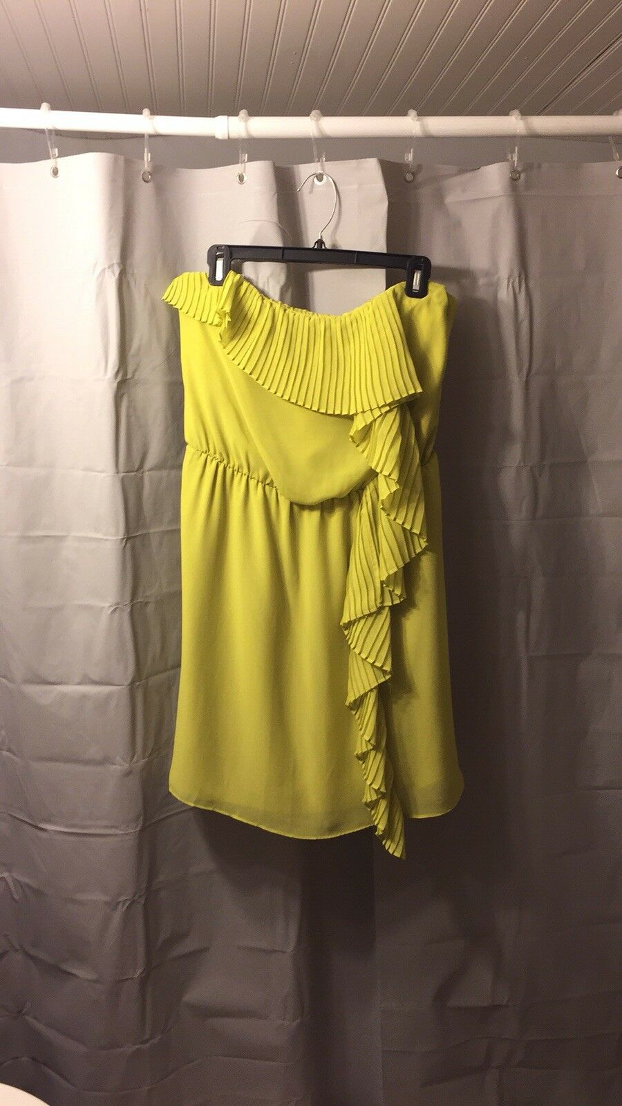 Green bcbg dress, Size Large, Worn Once In Excellent Condition