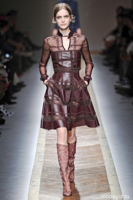 Valentino Leather & Lace rot schwarz Runway Dress BNWT UK 10 US 6 IT 42