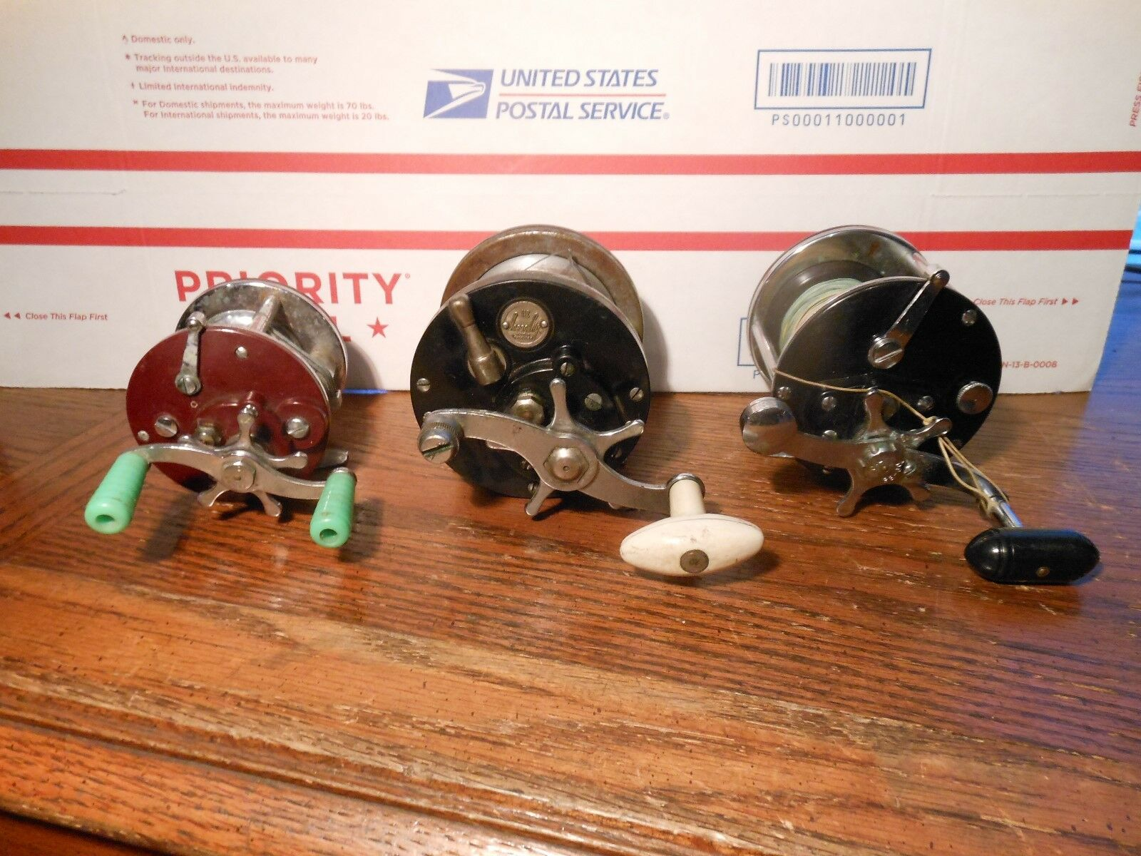 3) Vintage Fishing Reels Penn Peer 109, Penn 209 Level Wind, & Ocean City 112