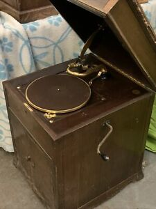 Antique-HMV-511-wind-up-gramophone-with-handle-and-spare-needles-Works