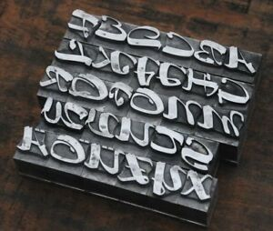 Alphabet-Bleilettern-Vintage-Stempel-Letter-Initiale-Druckbuchstabe-Bleialphabet