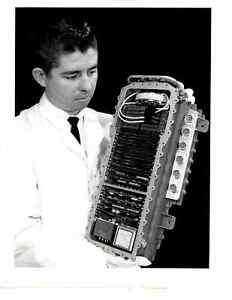 Vintage-Press-Photo-Scientist-Testing-Aerospace-Technology-Autonetics-V01
