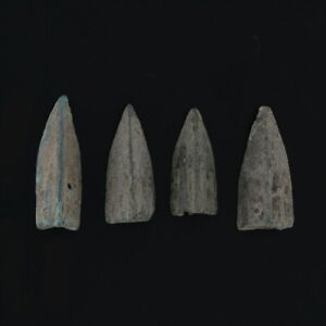 Ancient-Arrowheads-Lot-of-4-Trilobate-Triblade-Pyramid-Patinaed-Weaponry