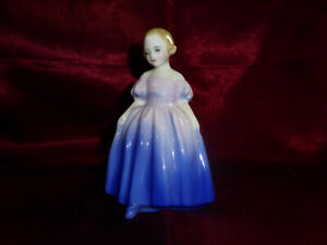 Royal-Doulton-MARIE-Ceramic-Figurine-Ornament-No-HN1370-1945-59-RETIRED-VINTAGE