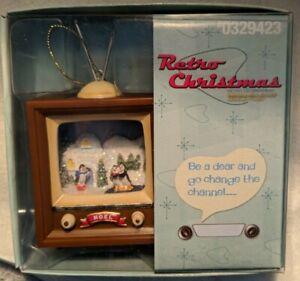 Roman-Inc-Retro-Christmas-TV-Ornament-Noel-penguins-and-igloo-2010-with-box