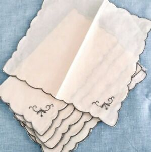 4-Vintage-Embroidered-Napkins-Ivory-Linen-w-Grey-Flower-and-Scalloped-Edges