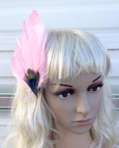 Rose clair s Millinery plume de paon Pince à Cheveux Mariage Piece Ascot
