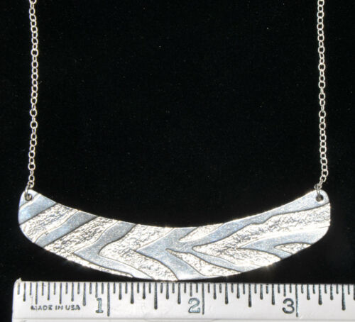Cerated Zebra Curved Bar Pendant Clavicle Collar Necklace 925 Sterling Silver