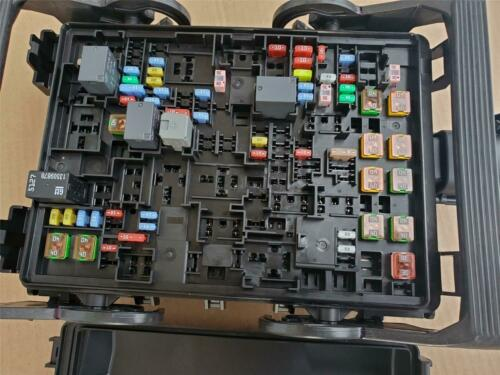 GM Fuse Box Junction Block 2018-2020 Suburban Tahoe Loaded relays cover 23418066