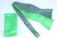 Lord R Colton $75 Green & Navy Plaid Reversible Bow Tie & Pocket Square New