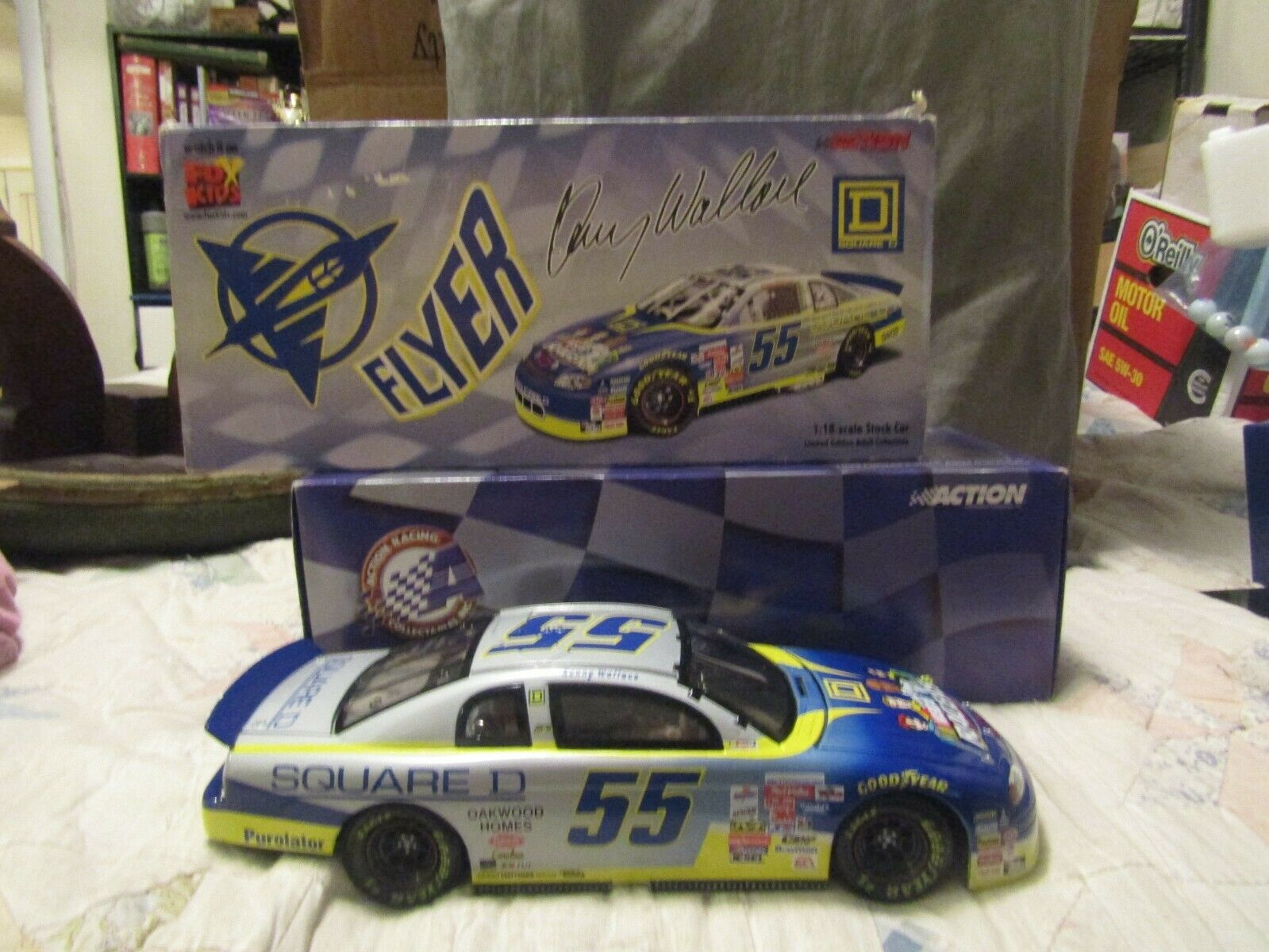 NEW KENNY WALLACE  18 LIMITED EDITION DIE CAST NASCAR 1 OF 2508 SQUARE D