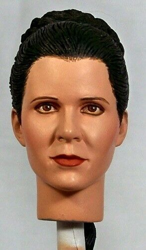 1:6 Custom Head of Carrie Fisher as Leia in Star Wars: A Nuovo Hope Ceremony Scene