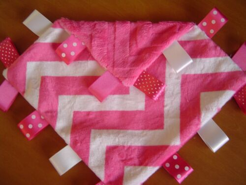 2 sizes available Hot Pink and White Chevron Taggy Blanket//Comforter