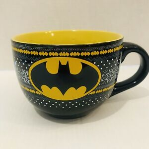 Batman-Logo-Coffee-Mug-Cup-Ceramic-24-Oz-DC-Comics-Super-Hero-Winter-Themed-NEW