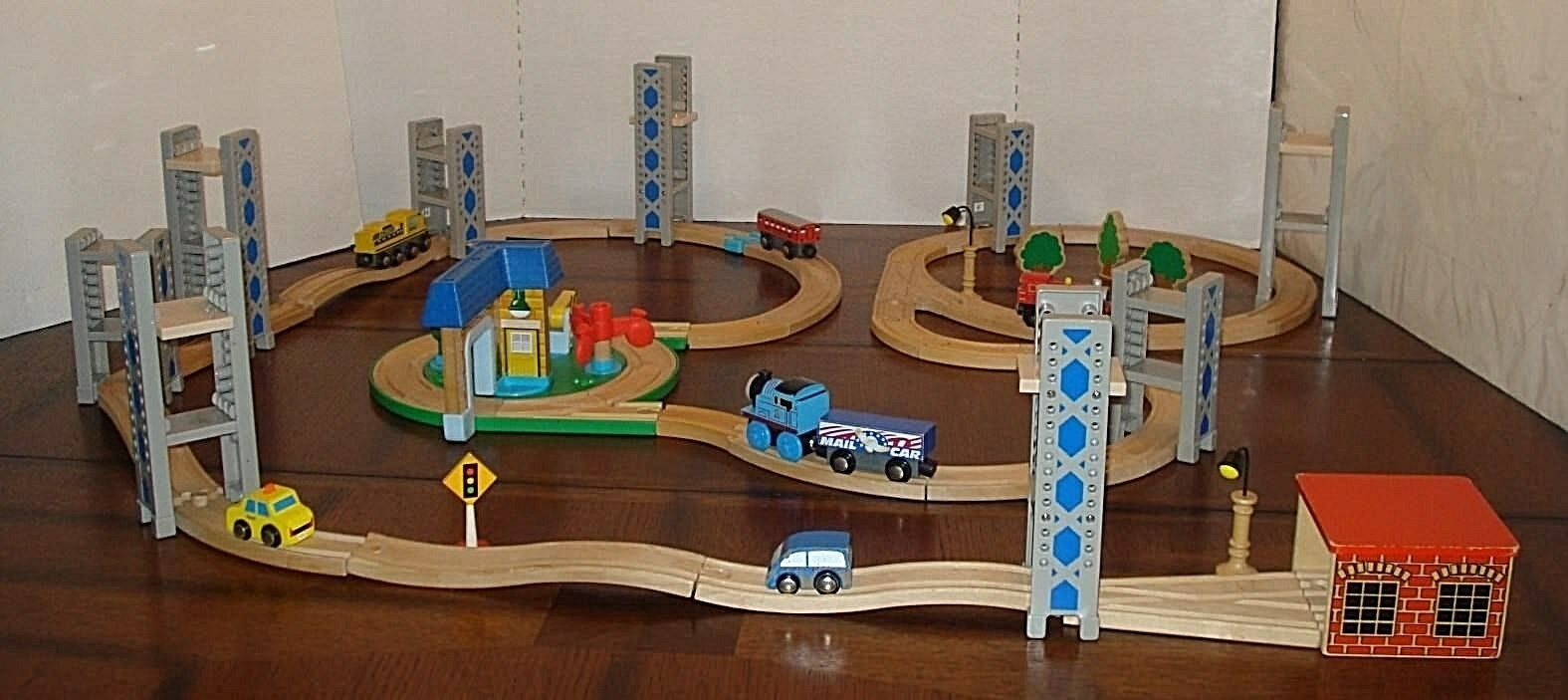 Vtg Thomas the Tank Engine Train Lot Toy Play Set roundabout Gullane