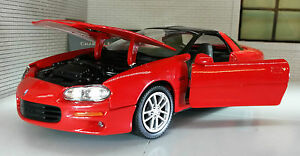 1-24-escala-Chevrolet-Camaro-SS-V6-V8-5-7-Z28-2002-Rojo-Welly