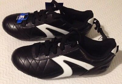 Starter Boys Soccer Cleats NWT Size 2 Black White Lightweight Synthetic Molded