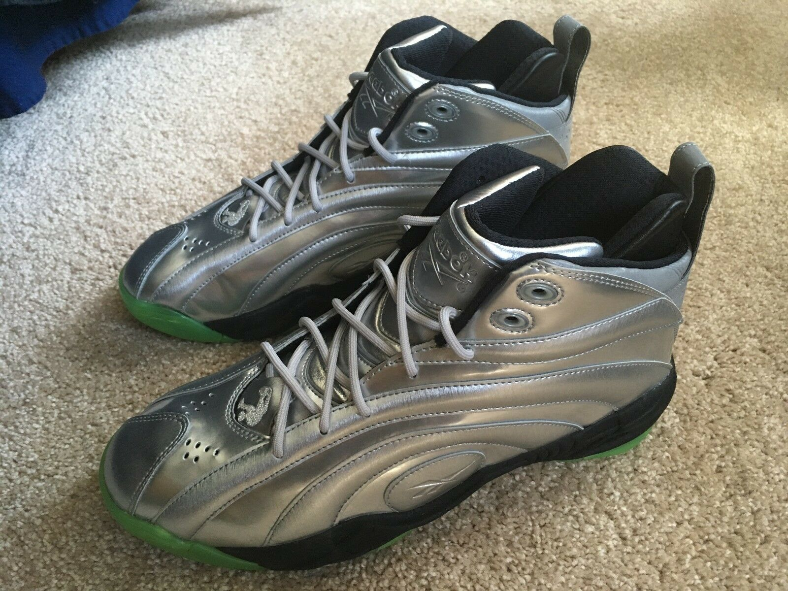 Men Size 10 Reebok Shaqnosis OG Man of Steel Silver Green Glow Kryptonite V51850