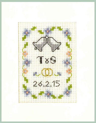 Complete Cross Stitch Kit on 16 aida Wedding Day card in blue /& gold